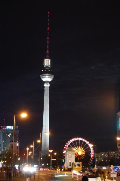 Berlin Fernsehturm and Weihnachtsmarkt